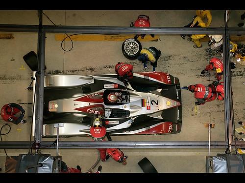 2007-Audi-R10-TDI-Le-Mans-Winner-Pit-Stop-Top-Closeup-1280x960