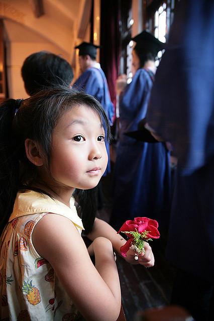 等爸爸的小女孩   flickr – 相片分享!