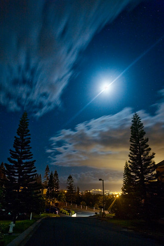 sky moon landscape hawaii evening atmosphere maui citylight upcountry kahului pukalani