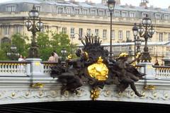 Paris: Pont Alexandre III - Nymphes de la Néva