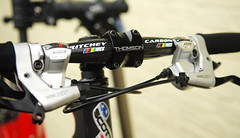 road bicycle, vehicle, sports equipment, groupset, cycling, bicycle frame,
