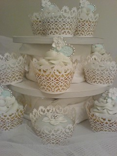 wedding cupcake with wrappers