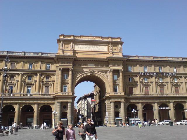 Plaza de la República (Piazza della Repubblica)