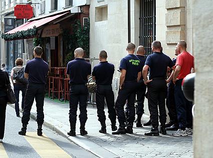 les pompiers de paris paris firemen by david lebovitz flickr photo sharing. Black Bedroom Furniture Sets. Home Design Ideas