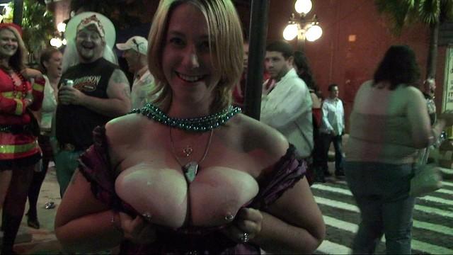 guavybor - Guavaween girl flashes pierced nipples