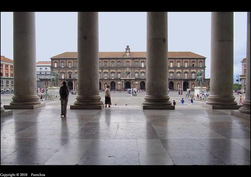 Naples  :  Palazzo Reale di Napoli - Explore