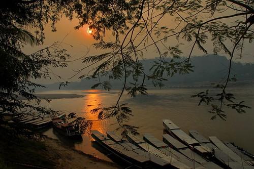 sunset water reflections boats nikon mood magic d200 laos luangprabang tati mekongriver mywinners artofimages saariysqualitypictures annatatti bestcapturesaoi elitegalleryaoi