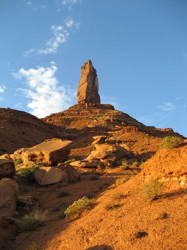 sunset hiking moab castlevalley