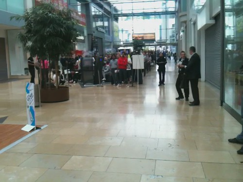 Apple Store, Birmingham Bullring - iPhone 4 Launch Queue