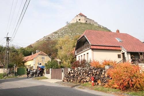 castle fall hungary hill chateau ungarn burg 2010 vár kirándulás hongrie ősz október várhegy hétvége őszi sümeg sümegi várdomb