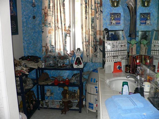 photo. Black Bedroom Furniture Sets. Home Design Ideas