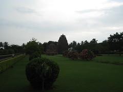 Raja Rani Mandir in gardens