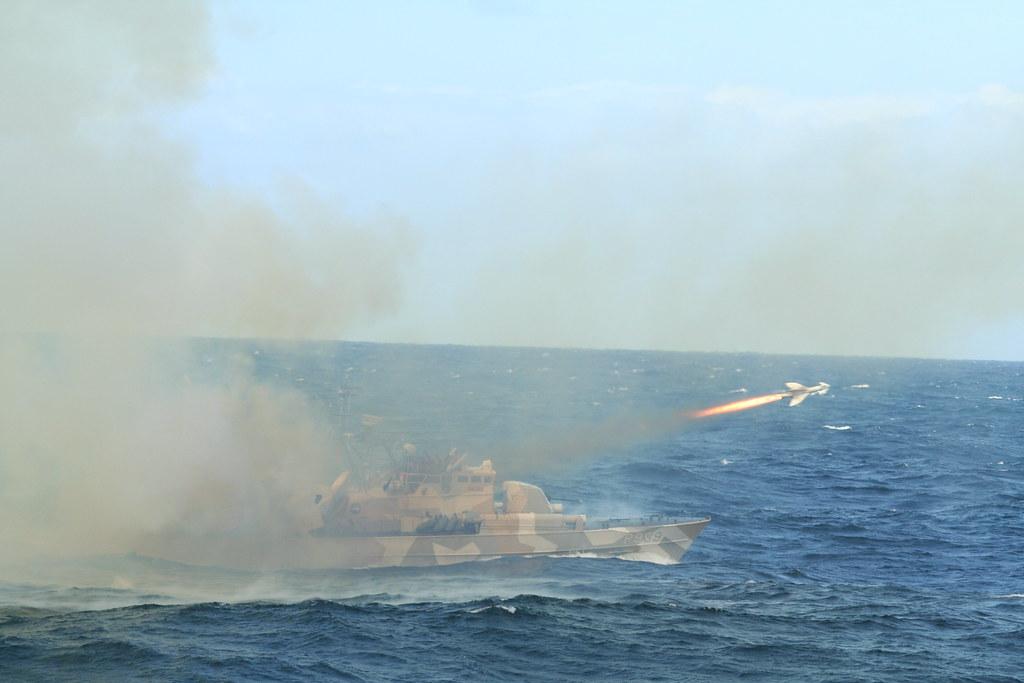 مصر تعزز سلاحها البحري بسبع قطع من النرويج. - صفحة 2 4723637691_8f4dd648c1_b