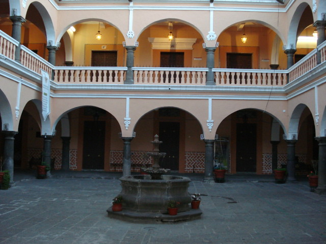 Lugares Puebla Patio Preparatoria Emiliano Zapata