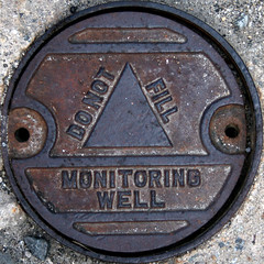 commemorative plaque(0.0), money(0.0), award(0.0), currency(0.0), iron(1.0), manhole(1.0), manhole cover(1.0),