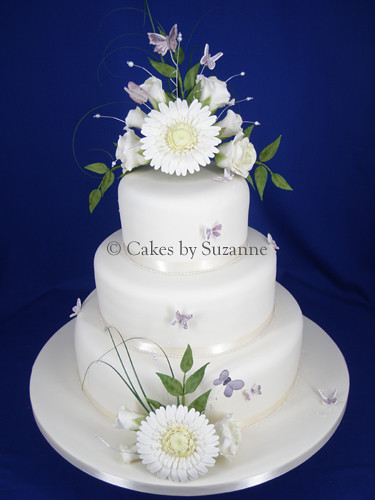 Gerbera And Rose Wedding Cake