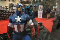 convention(0.0), comics(0.0), superhero(1.0), clothing(1.0), captain america(1.0), costume(1.0),