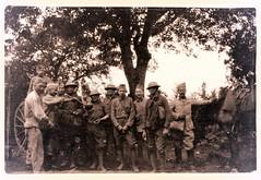 2éme bataille de la Marne - Americains au casse croute a la Compagnie Hors Rang (CHR) (photo VestPocket Kodak Marius Vasse 1891-1987)
