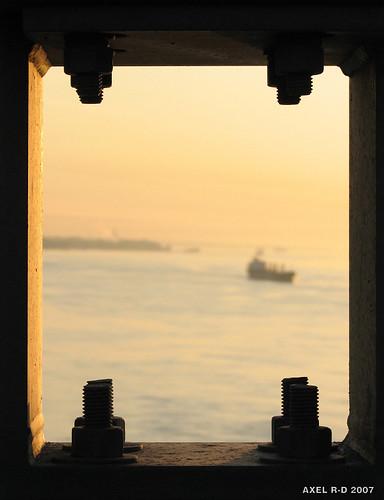 bridge sunrise boat bateau leverdesoleil troisrivières fleuvestlaurent pontlaviolette axelrd