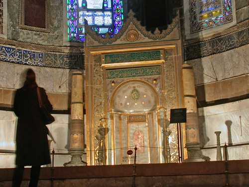 A magyar gyertyatartók és az oltár