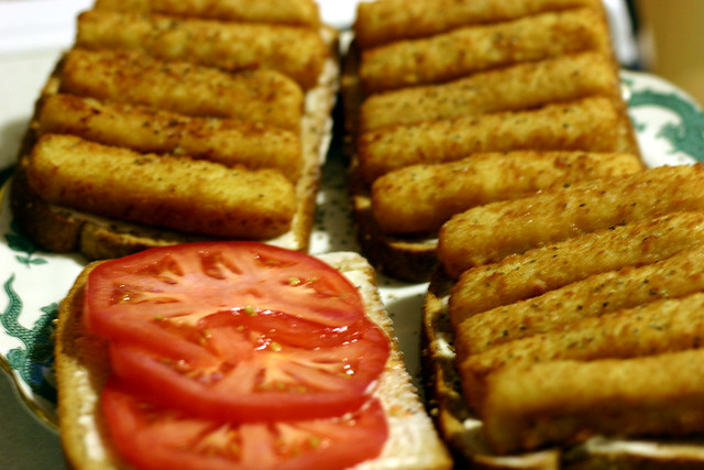 Fish stick definition meaning for Fish stick sandwich