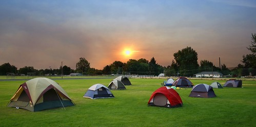 camping boy sunrise canon tents father son scout campout sleepover 2007 jesters 30d p1f1 flickrchallengegroup wowiekazowie flickrchallengewinner johny~ jesterschallengegroupentry wacatadv