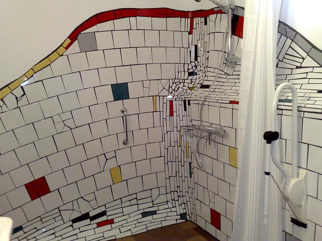 badkamer in hundertwasser stijl flickr photo sharing. Black Bedroom Furniture Sets. Home Design Ideas