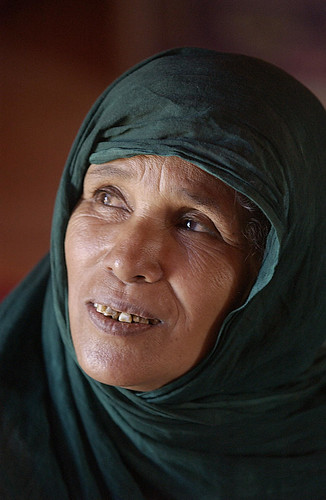 Portrait of a Bedouin woman in Bir Lahlou, Western Sahara.  Photo ID 22018. 21/06/2003. Bir Lahlou, Western Sahara. UN Photo/Evan Schneider.