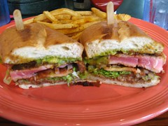 blt, sandwich, meal, lunch, chivito, submarine sandwich, muffuletta, meat, bã¡nh mã¬, food, dish, cuisine, fast food,