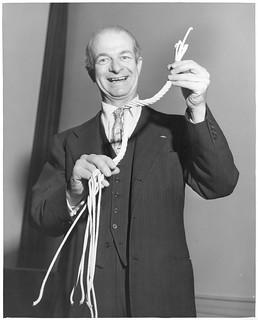 Linus Carl Pauling (1901-1994)