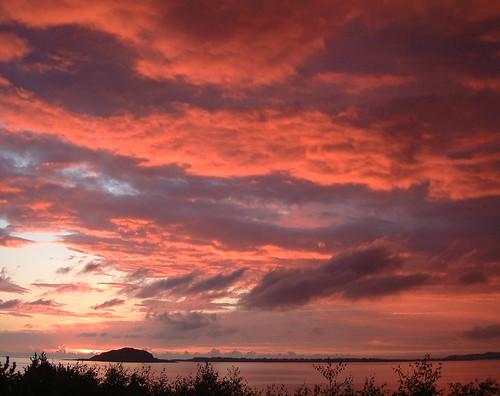 sunset sky norway clouds ålesund anawesomeshot impressedbeauty isawyoufirst diamondclassphotographer flickrdiamond larigan phamilton