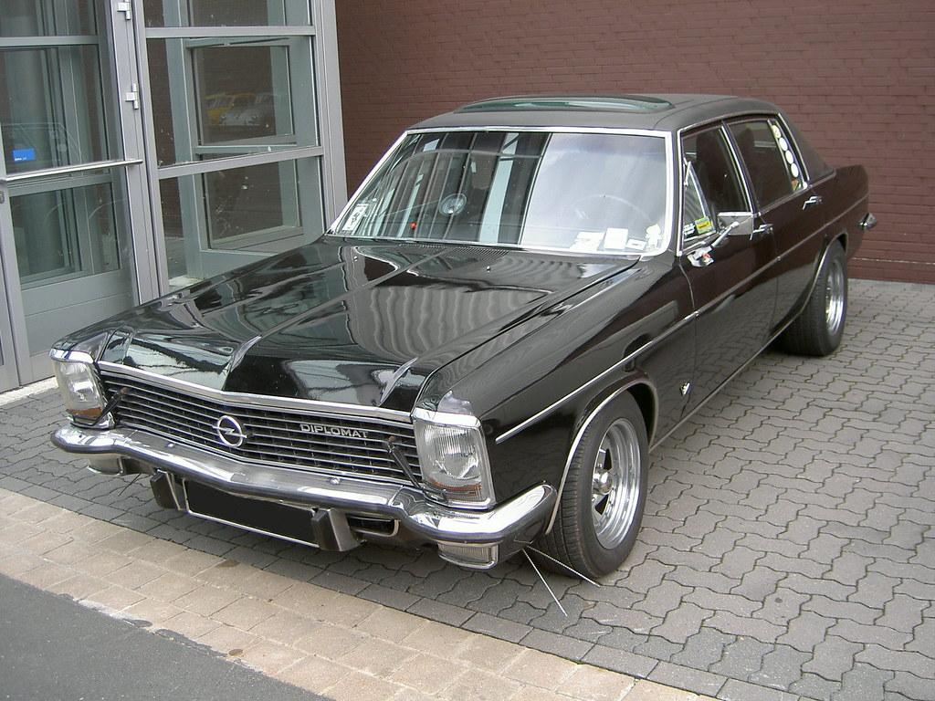 Clic Volvo Sports Car