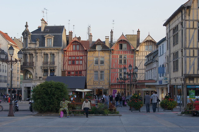 Camera Hotel De Ville Troyes