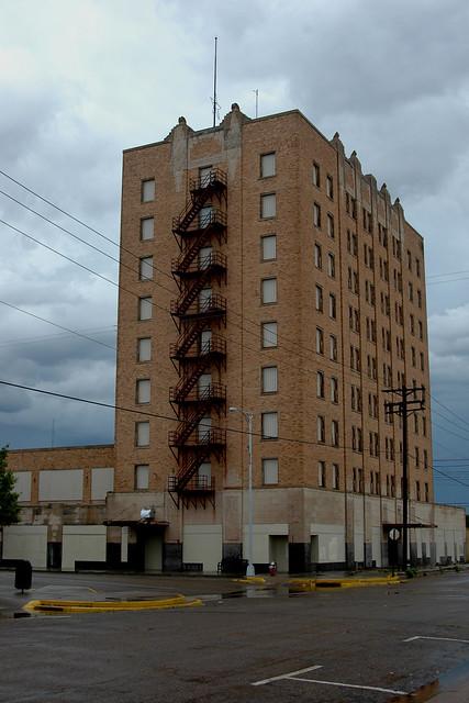 Hotel Clovis.