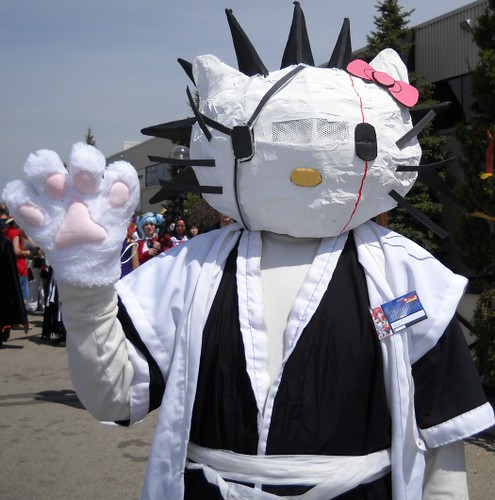 Hello_Kitty_Kenpachi_cosplay_by_Desart