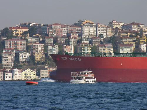Nagy hajó, kis hajó