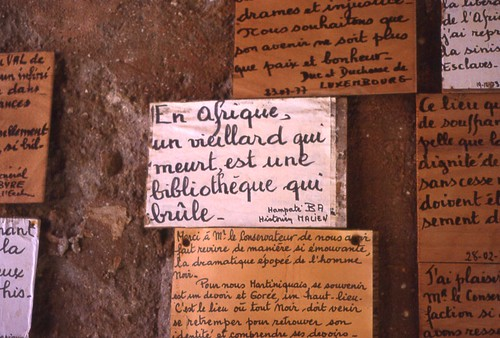 Sayings on the wall of the former slave-holding building on Gorée Island, Sénégal (West Africa)