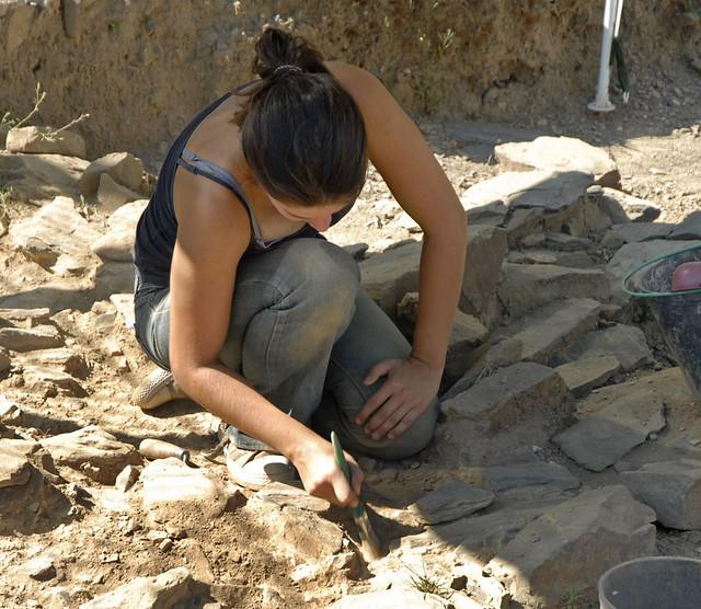 Jeune archéologue à Mértola (Portugal)