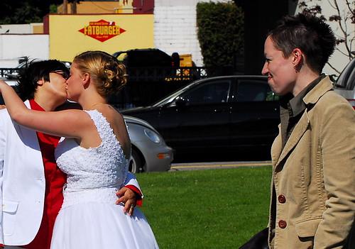 Lesbian Wedding by https://www.flickr.com/photos/14132971@N05/