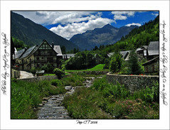 ((-: - Closed for Vacation - :-)) (Valarties river at Arties - Val d'Aran- Lleida - Spain)