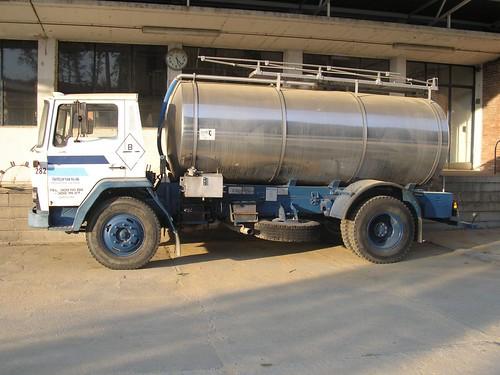 Ebro P-137 cisterna de Letona a la fàbrica de Girona