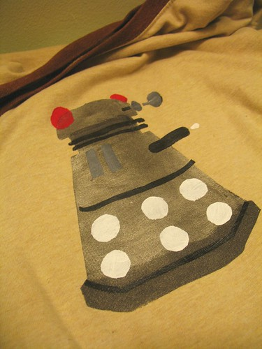 a dalek tshirt for leff!