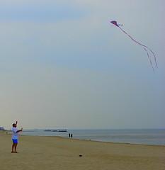 wind wave(0.0), kitesurfing(0.0), toy(0.0), beach(1.0), individual sports(1.0), sports(1.0), sea(1.0), ocean(1.0), windsports(1.0), wind(1.0), kite(1.0), coast(1.0),