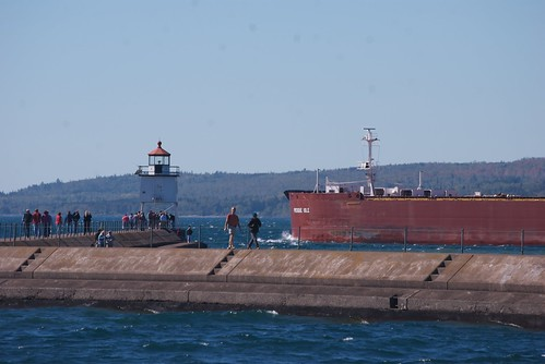 M/V Presque Isle passes the Two Harbors breakwater light.