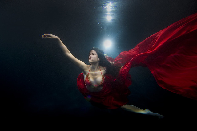 5125351604 9e59c00c8f z Shooting Portraits Underwater Can Create Beautiful Results