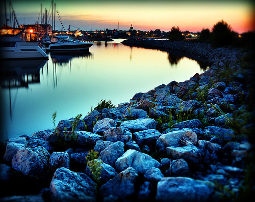 sunset water wisconsin night marina wow boats evening harbor twilight dusk 100v10f rest racine 25faves abigfave anawesomeshot colorphotoaward superhearts 46twtmesh290746 geo:county=racine