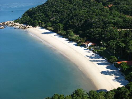 Praia de Canto dos Ganchos - Governador Celso Ramos