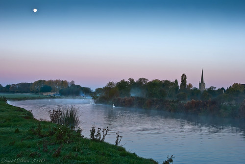 morning moon mist thames sunrise river landscape dawn early nikon frost cotswolds gloucestershire swans nikkor 1001nights vr d60 lechlade 1685mm 1001nightsmagiccity jactoll
