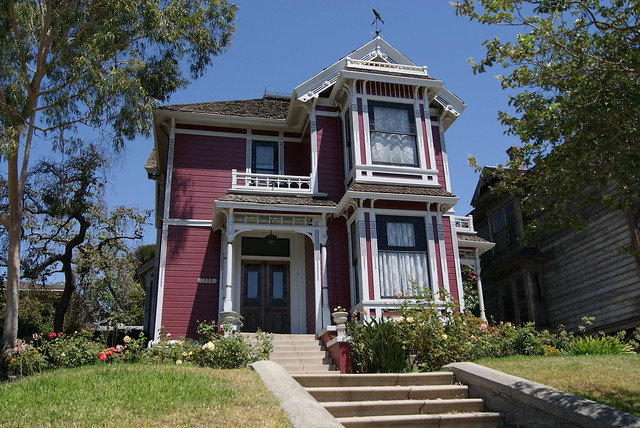 Halliwell manor location related keywords halliwell for Charmed tour san francisco