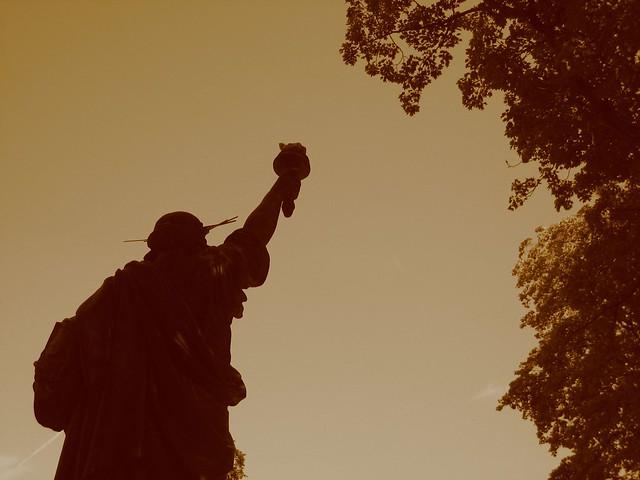 Jardin du luxembourg paris la libert clairant le mon - Statue de la liberte jardin du luxembourg ...